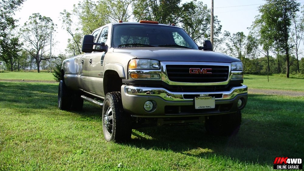 2006 GMC Sierra 3500HD Dually with 4 inch Trailmaster Lift