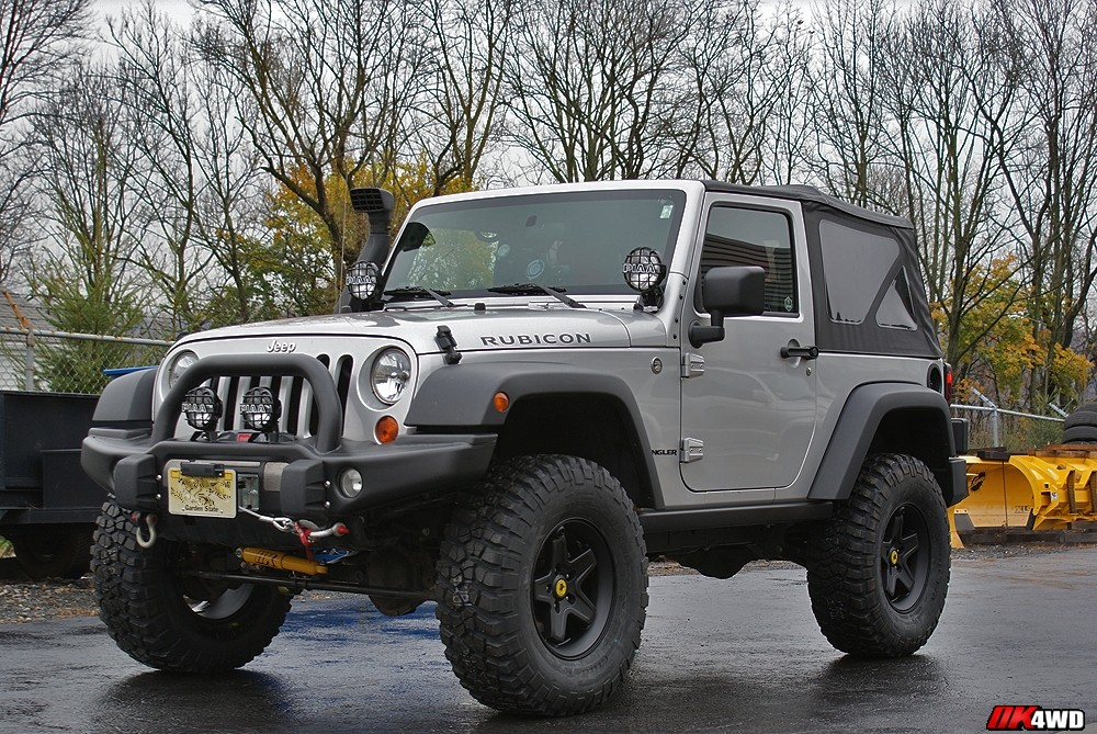 2007 Jeep Wrangler Rubicon with AEV 3.5″ Lift