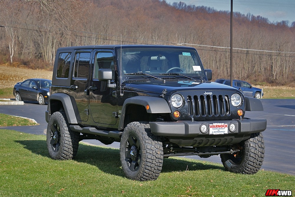 "2010 Jeep Wranlger JK with 4.5"" AEV Lift"