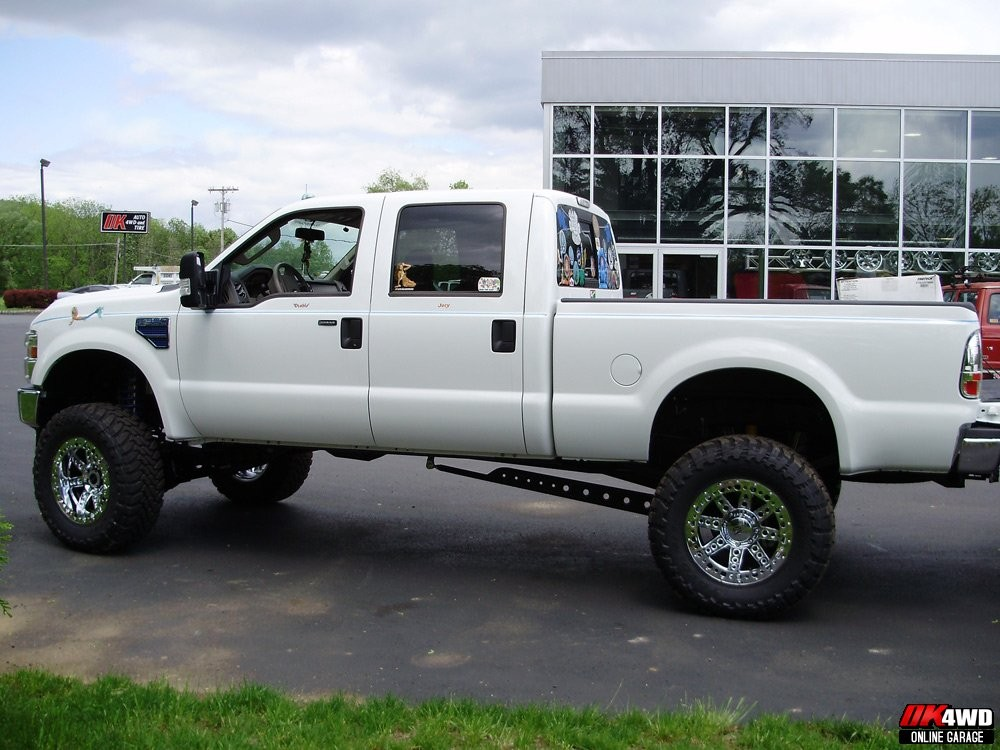 "2008 Ford Super Duty with 8"" Fabtech Coilover Suspension"