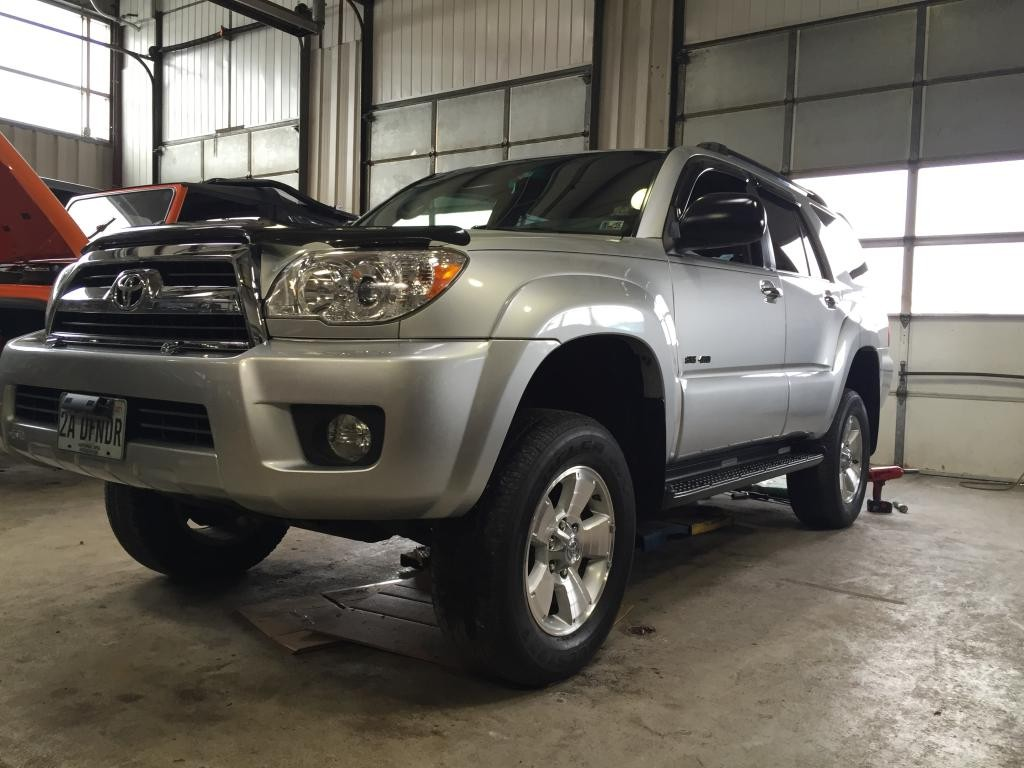 2006 Toyota 4Runner Old Man Emu Lift Kit - ok4wd