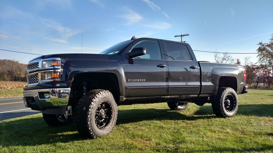2015 Chevorlet Silverado w/ McGaughys Suspension