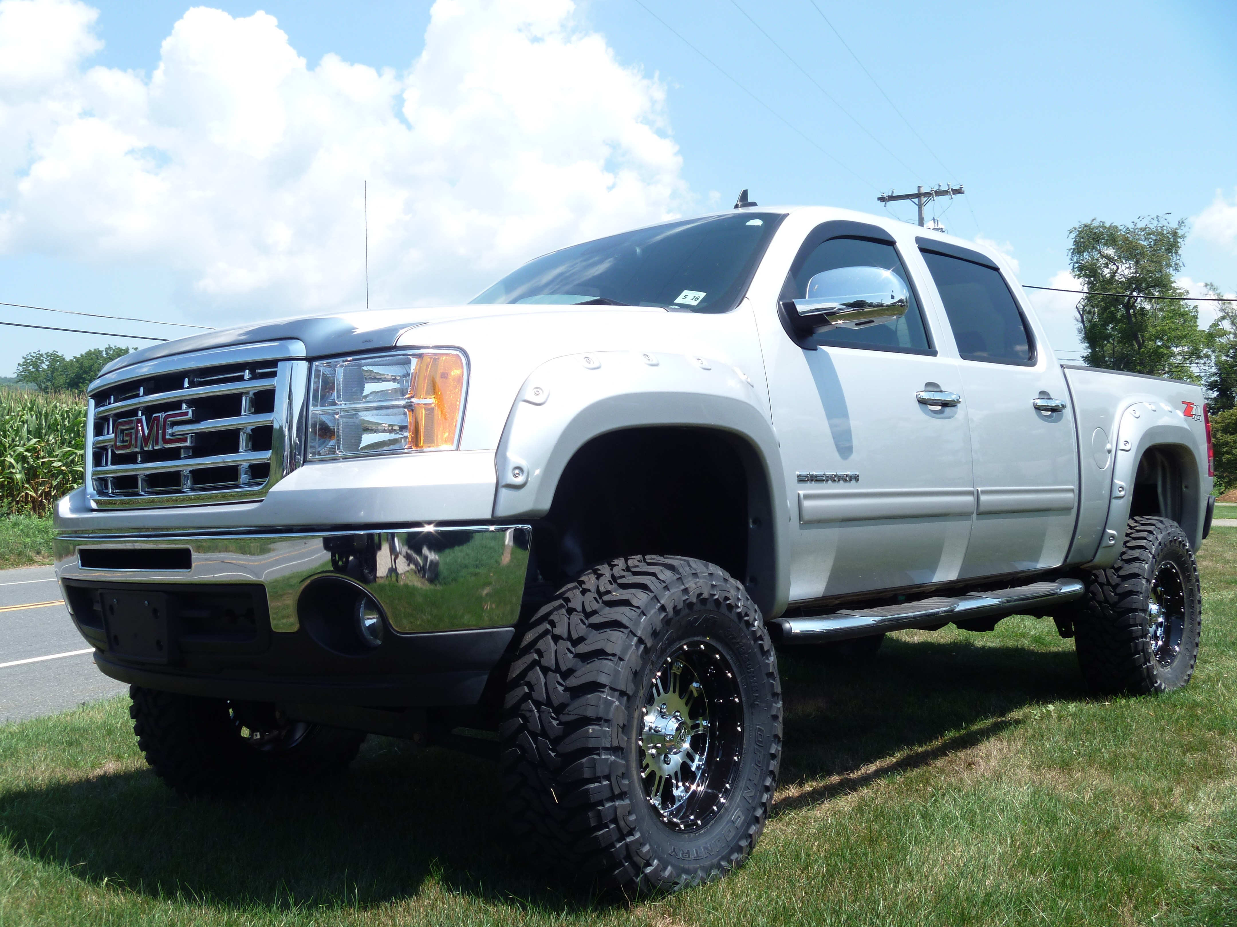"2011 GMC Sierra 1500 ProComp 6"" Lift Kit & 3"" Bodylift"