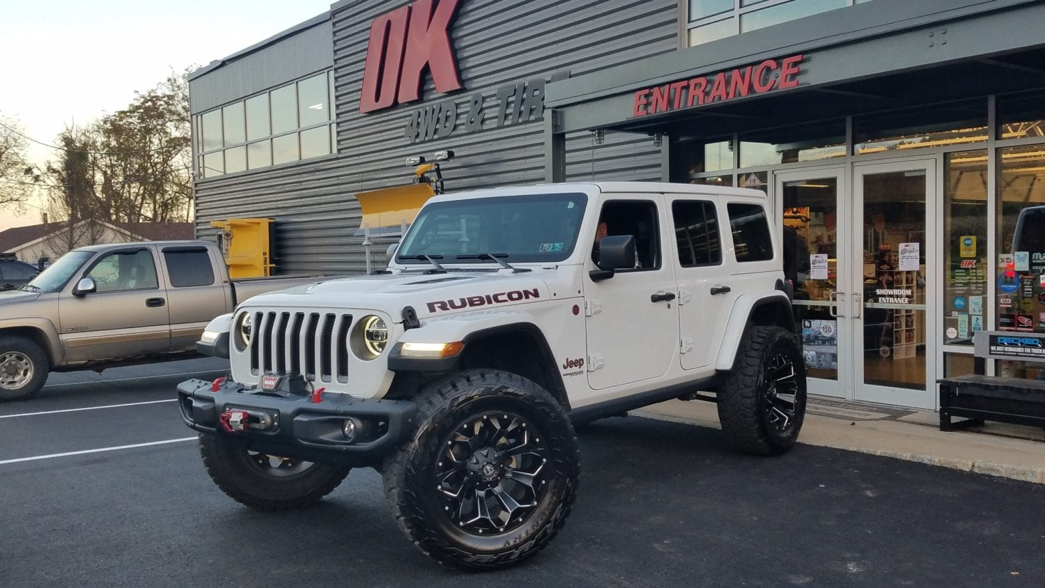 Online Garage: 2018 Jeep Wrangler JL Lifted with 37s